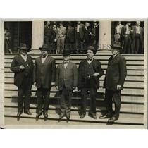 1918 Press Photo Chiefs of the Unions on City hall Steps