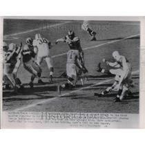 1953 Press Photo Rams' Dick Lane, 81, blocks G. Taliaferro's field goal try