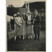 1922 Press Photo James Wallace, Mrs. C. D. Hotchkiss, Mrs. W. R. Simonds and