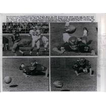 1959 Press Photo Tom Brookshier dives for pass