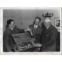 1937 Press Photo Erborn Wood Bringing 1st Trout of Season to Pres Roosevelt