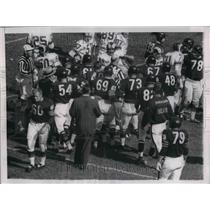 1958 Press Photo Bears And Rams Players On Field During Altercation