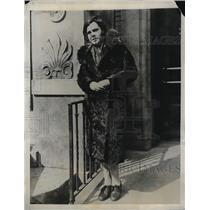 1927 Press Photo Miss Edna McDonald after her husband died.
