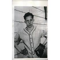 1948 Press Photo Allen Hayden pitcher for Bruce HS in Chicago