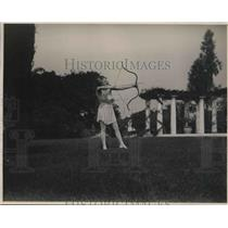1924 Press Photo Emily D. Watts (1867-1968) Jujitsu Archery instructor