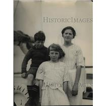 "1922 Press Photo Billy, Constance & Madge Jansen who sailed on ""famine Ship"""