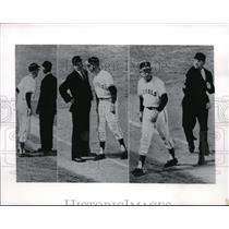 1962 Press Photo Los Angeles Angels Bill McKinley & Chavez Ravine During Game