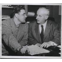 1933 Press Photo Philadelphia A's 1st Baseman Eddie Robinson & Mgr Ehlers