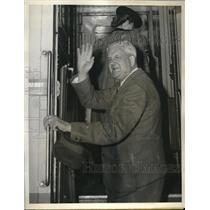 1945 Press Photo Mayor Roger Lapham, San Francisco mayor, on flight to London