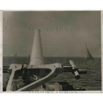 1930 Press Photo Enterprise Leading Shamrock Around First Marker in Race