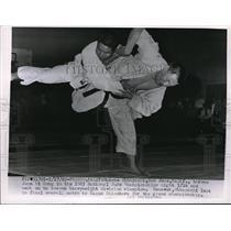 1963 Press Photo Fresno, Calif. Makoto Ohbayashi & Joon Hi Song Judo champion