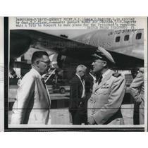 1957 Press Photo James Hagerty Capt. B.E. Close Commander Naval Air Station