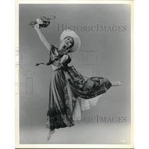 1917 Press Photo Girl Dancing