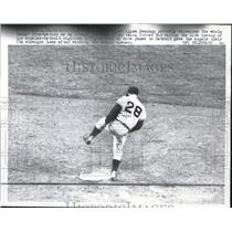 1961 Press Photo Albie Pearson Outfielder Los Angeles Angels Stomps 2nd Base MLB