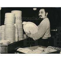 1925 Press Photo Manuel Maldonado Spanish Count San Francisco Dishwasher Hotel