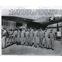 1960 Press Photo Crew members of Pelican Hickam Field