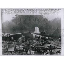 1962 Press Photo Kenilworth, La. USAF flying boxcar crash into a home