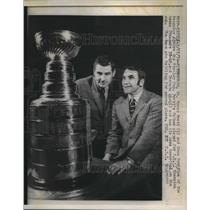 1970 Press Photo Tracy Pratt, Dean Prentice, Pittsburgh Penguins, Stanley Cup