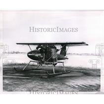 1955 Press Photo Niagra Falls, NY a new type of plane on display