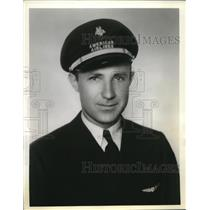 1938 Press Photo Elkin Floyd, pilot for American Airlines