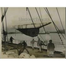 1928 Press Photo LA Harbor in Calif, racing yacht Synnove at launching