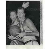 1962 Press Photo Tom Meschery, Philadelphia Warriors, Clyde Lovelette, St. Louis