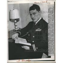 1945 Press Photo Byron White, Former Detroit Lions Halfback, U.S. Navy