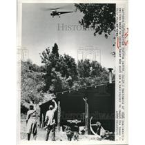 1950 Press Photo Little Tujunga Canyon California Census Taker in Helicopter