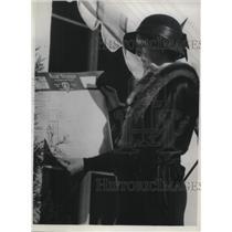 1932 Press Photo Miriam Ferguson Casts Ballot During Election