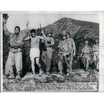1950 Press Photo American patrol with Korean POWs near Taegu-Waegwan
