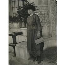 1922 Press Photo Wife of Senator George F Pearce of Australia - nec02945