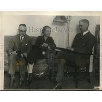 1926 Press Photo Dr Edmund McLaughlin Mr & Mrs Ernest King Prepare