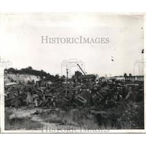 1942 Press Photo An automobile graveyard outside Baltimore