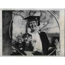 1934 Press Photo Miss Anna Grant Winner od the Door Rolling Contest