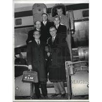 1958 Press Photo B. Jay Becker boards plane Idlewild Airport , J.F. Ripsra