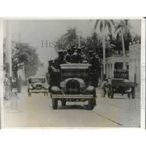 1931 Press Photo Police Raiders in Havana - nec23111