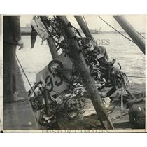 1931 Press Photo Wreckage of plane at San Francisco bay, Calif