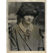 1923 Press Photo Catherine Saunders Arraigned For Theft