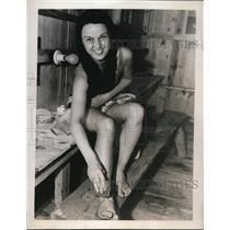 1939 Press Photo Edith DeBold