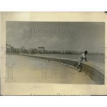 1929 Press Photo Havana, Cuba empty beaches as hurricane approaches - nec52113