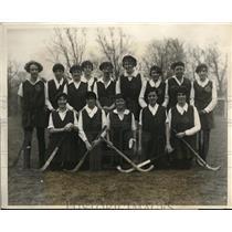 1926 Press Photo girls hockey team enter field hockey tournament in N.Y.