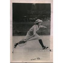 1921 Press Photo Mrs. Norman H. White stellar showing on Longwood C.C. courts