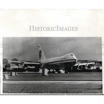 1970 Press Photo Pan Am Jumbo Plane On Airstrip At Heathrow London