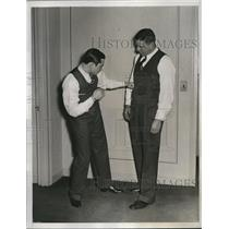 1934 Press Photo Wrestler Jim McMillan with Boxer Barney Ross - nes10685