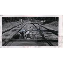 1900 Press Photo Railroad Crossing