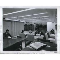 1900 Press Photo Students Reading in Charles Patterson Von Pelt Library