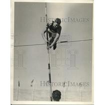 1928 Press Photo Jack Williams, vaulting 13 feet 3 inches for Olympic Games team