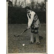 1928 Press Photo Katherine Rieser, goal keeper for Bryn Mawr College hockey team