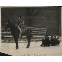 1925 Press Photo Show Girls of Keiths Theater Sledding Washingtons 1st Snow