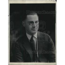 1924 Press Photo Edward Smith Director Of WGY Players Wears Glasses For Portrait